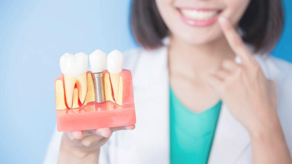 Насколько оправдана высокая цена на лечение зубов в Америке?