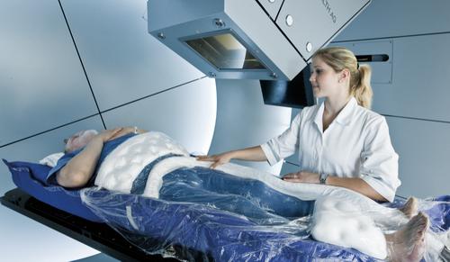 Как происходит протонная терапия?