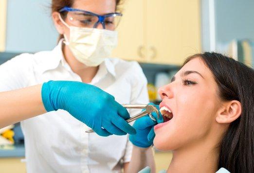Удаление зубов в клинике Dental Med